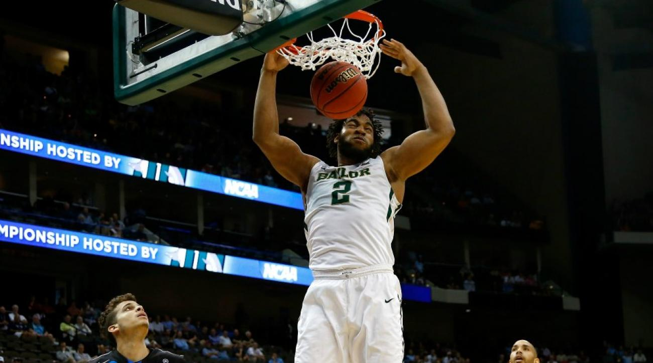 Baylor players try out trampoline dunks
