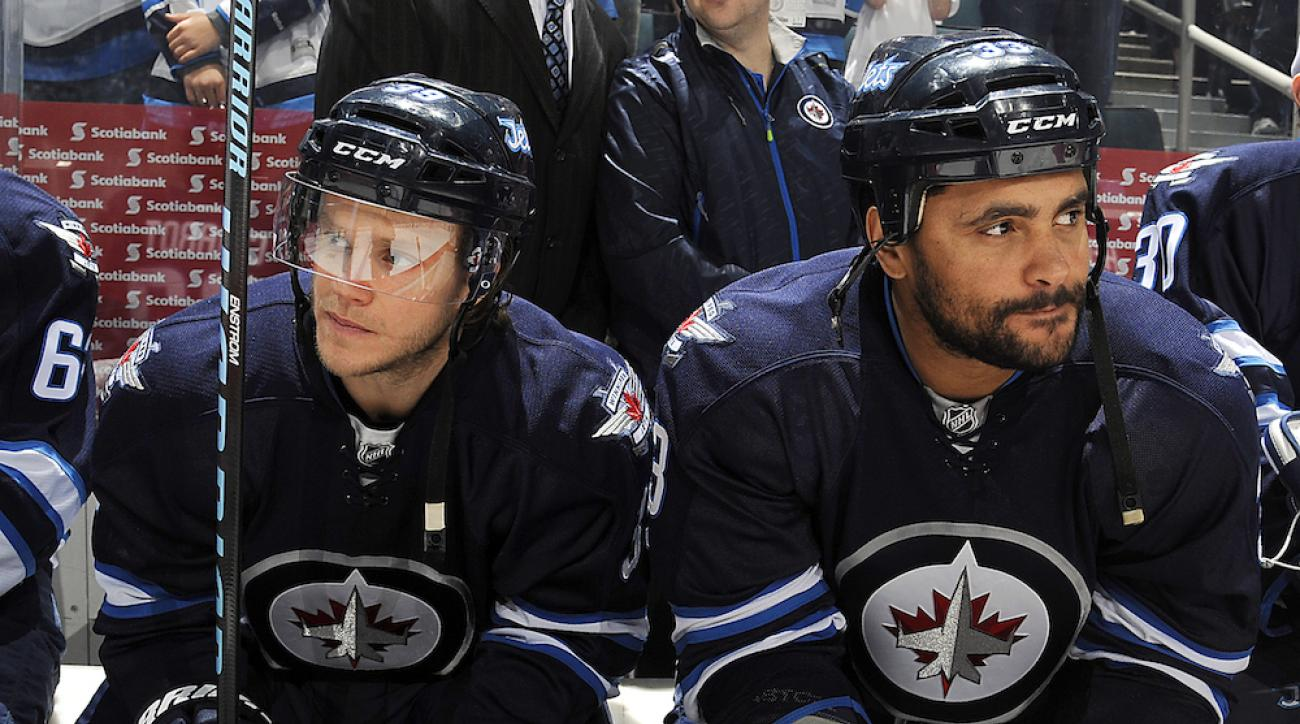 dustin byfuglien media marshawn lynch treatment winnipeg jets