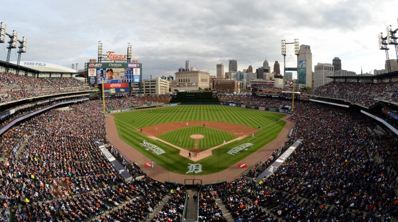 Yankees Tigers snow Detroit Comerica Park April