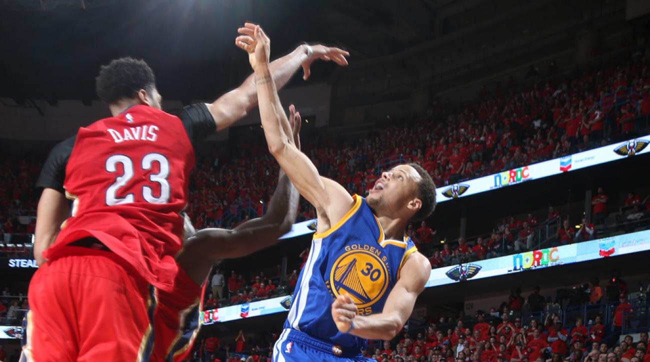 Stephen Curry Warriors game tying three fouled