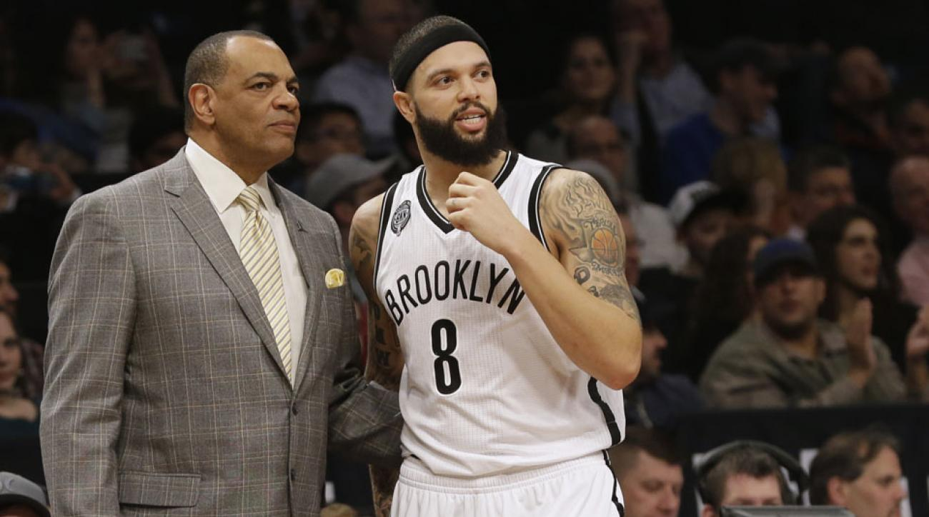 Nets' Hollins rips Deron Williams critics