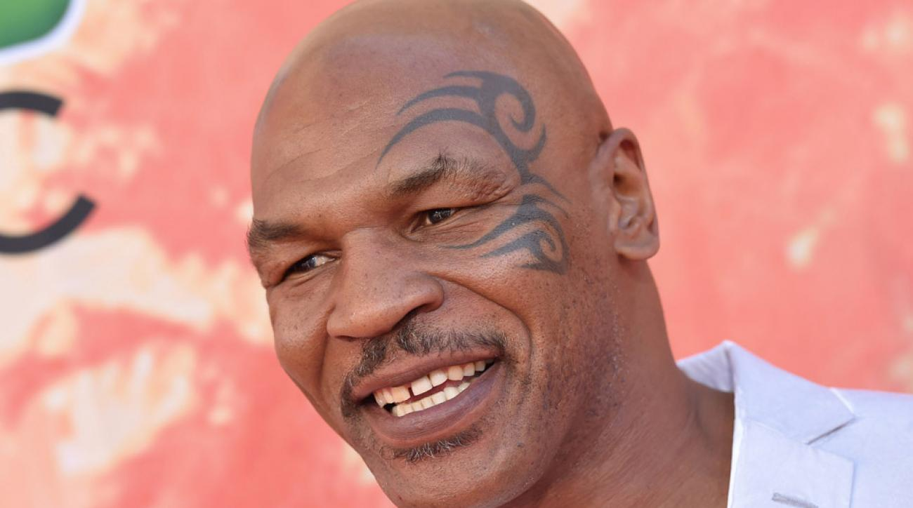 Mike Tyson rips Mayweather on Ali quote
