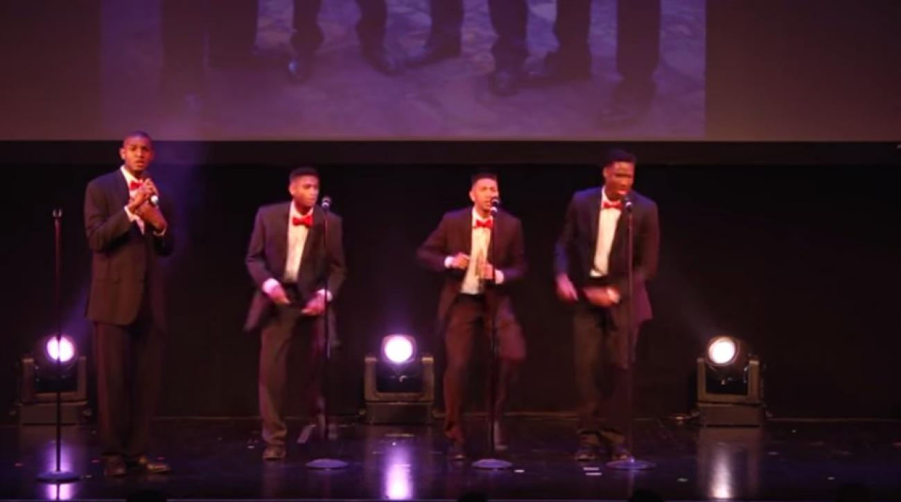 Wisconsin basketball players sing Motown classic at awards ceremony