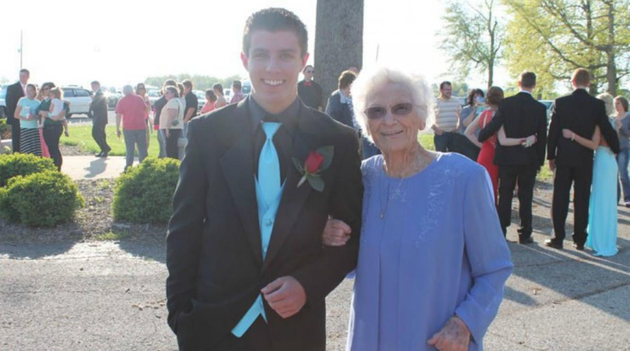 High School junior takes great grandma to prom