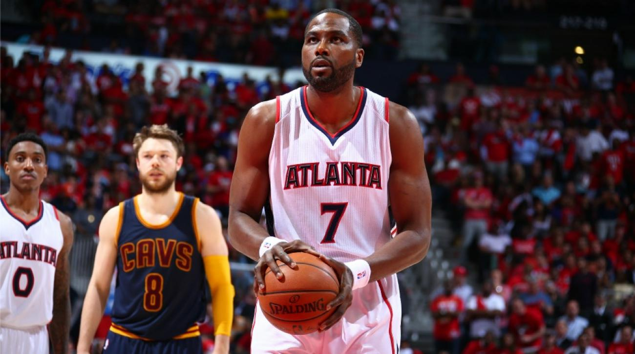 Elton Brand surprises Twitter by showing up in a Hawks playoff game