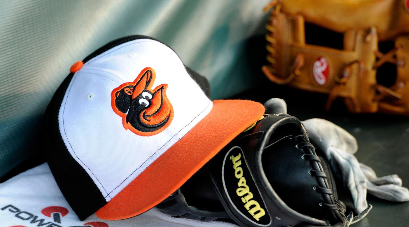 baltimore orioles ariel miranda sign contract
