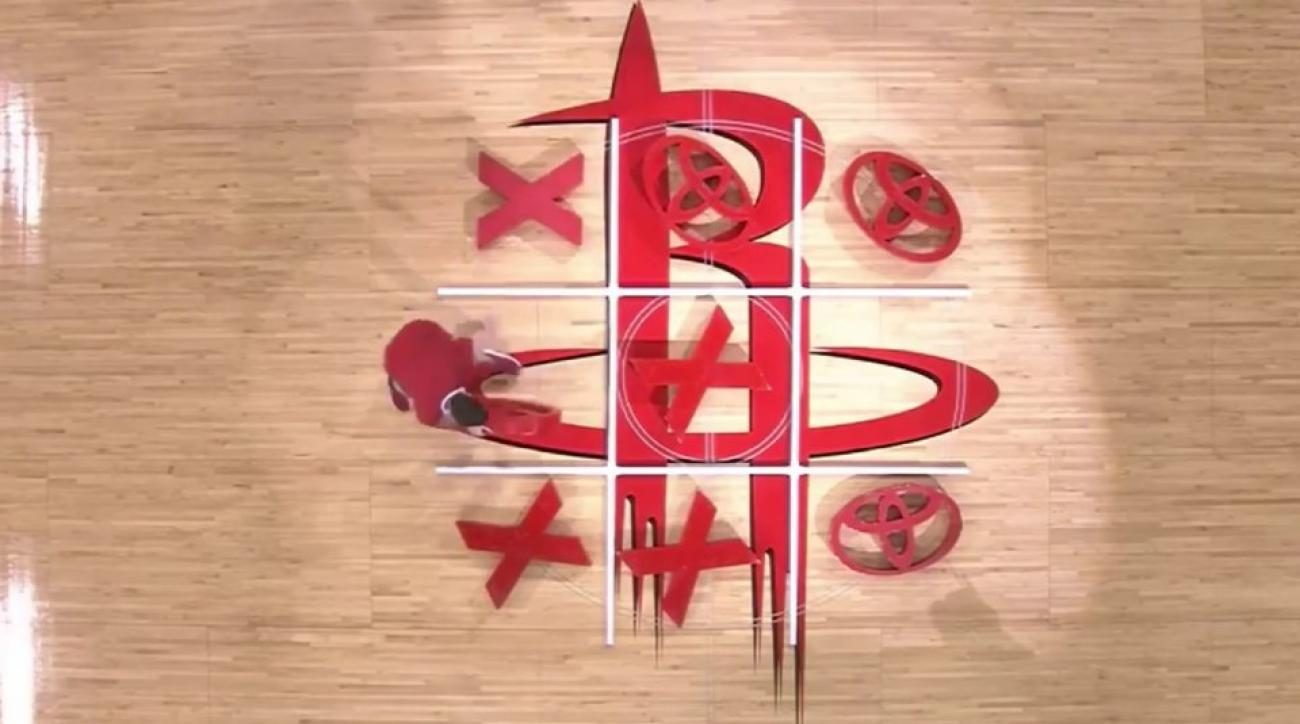 Houston Rockets fans have trouble with tic tac toe game