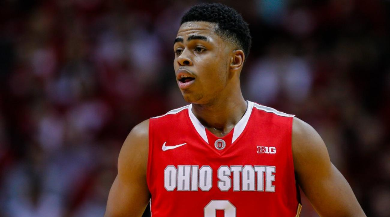 D'Angelo Russell has a bad golf swing
