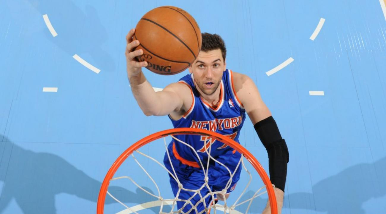Andrea Bargnani highlight reel gets laughs from Knicks fans