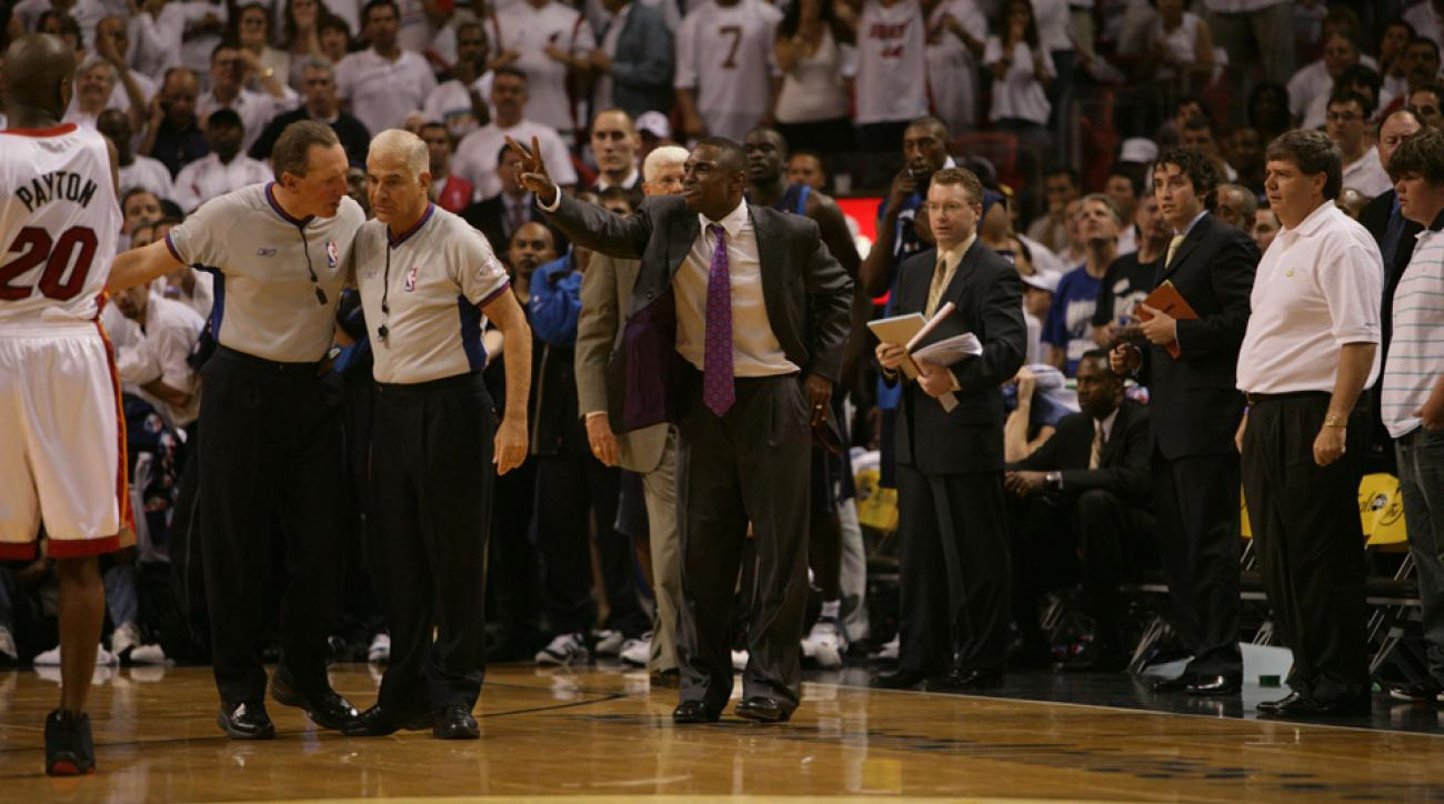 Avery Johnson called a timeout that proved to be costly for the Mavericks.