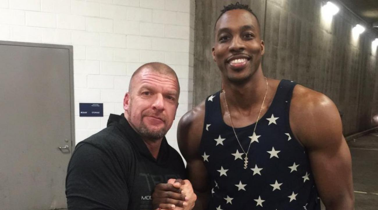 Dwight Howard stopped by a WWE event and met Triple H