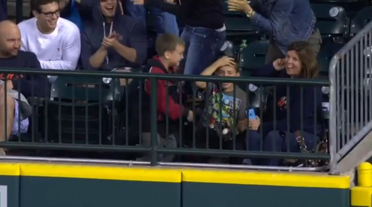 Tigers fan catches Athletics grand slam emotions
