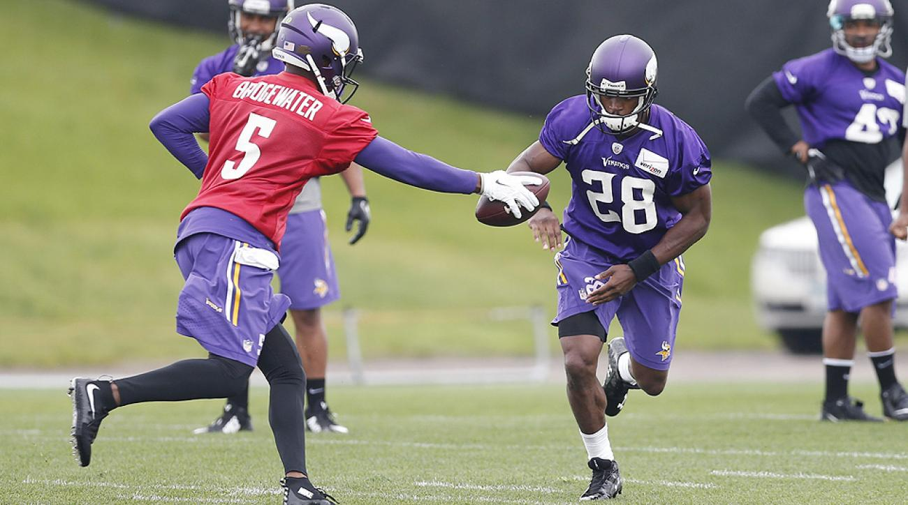 Roundtable: Adrian Peterson over/under 1,200 rushing yards