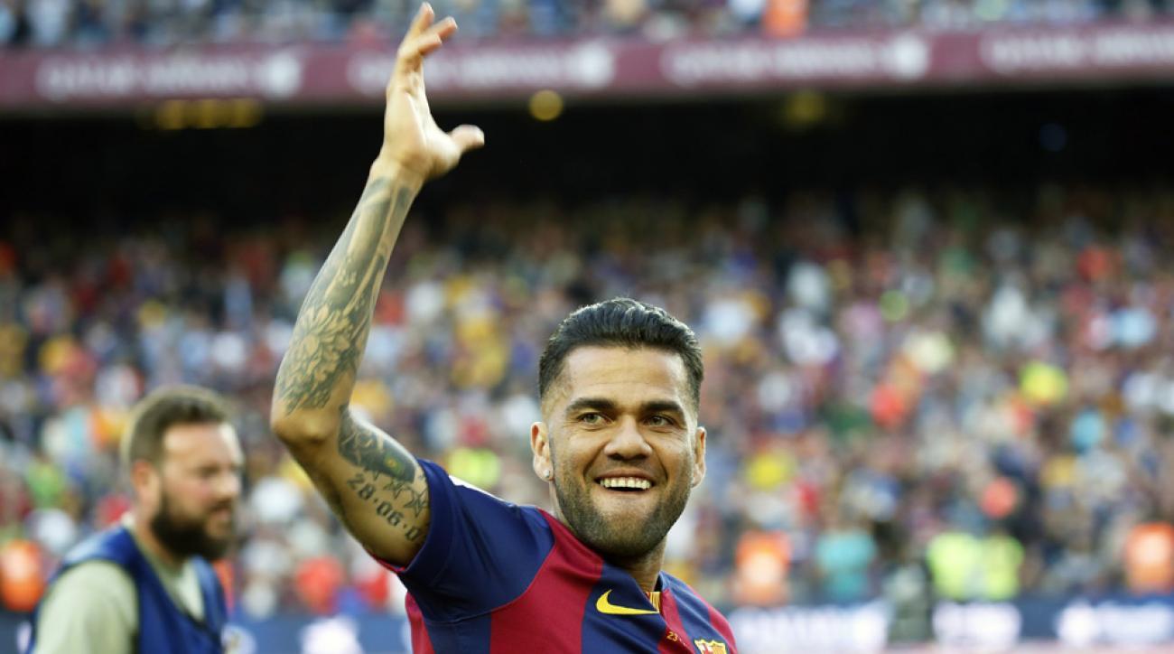 Barcelona renews contract of Dani Alves