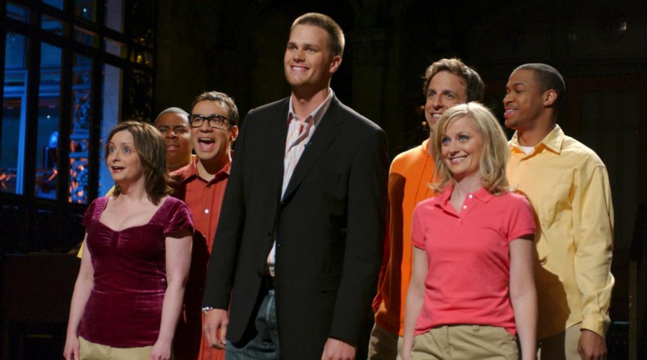 Amy Poehler tells Jimmy Kimmel why athletes make the best SNL hosts
