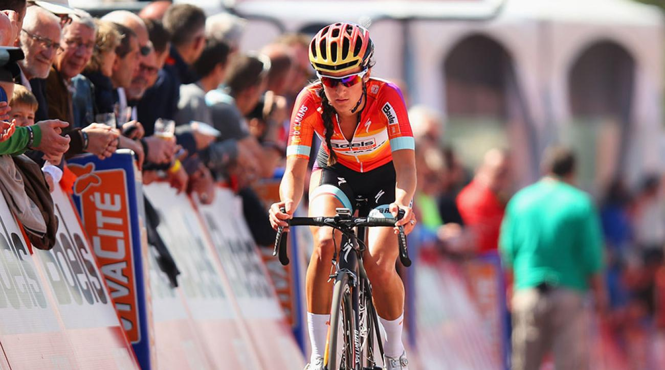 Lizzie Armitstead hospitalized crash finish line