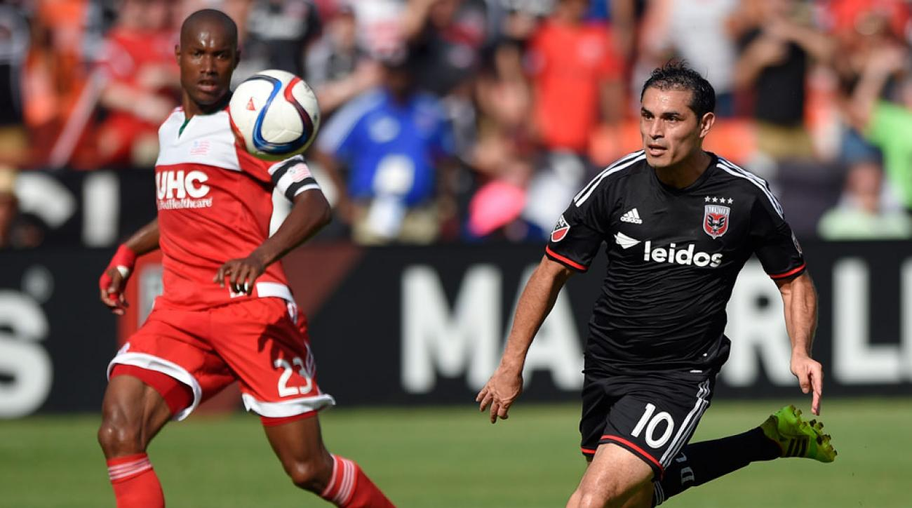 dc-united-new-england-revolution-chris-rolfe
