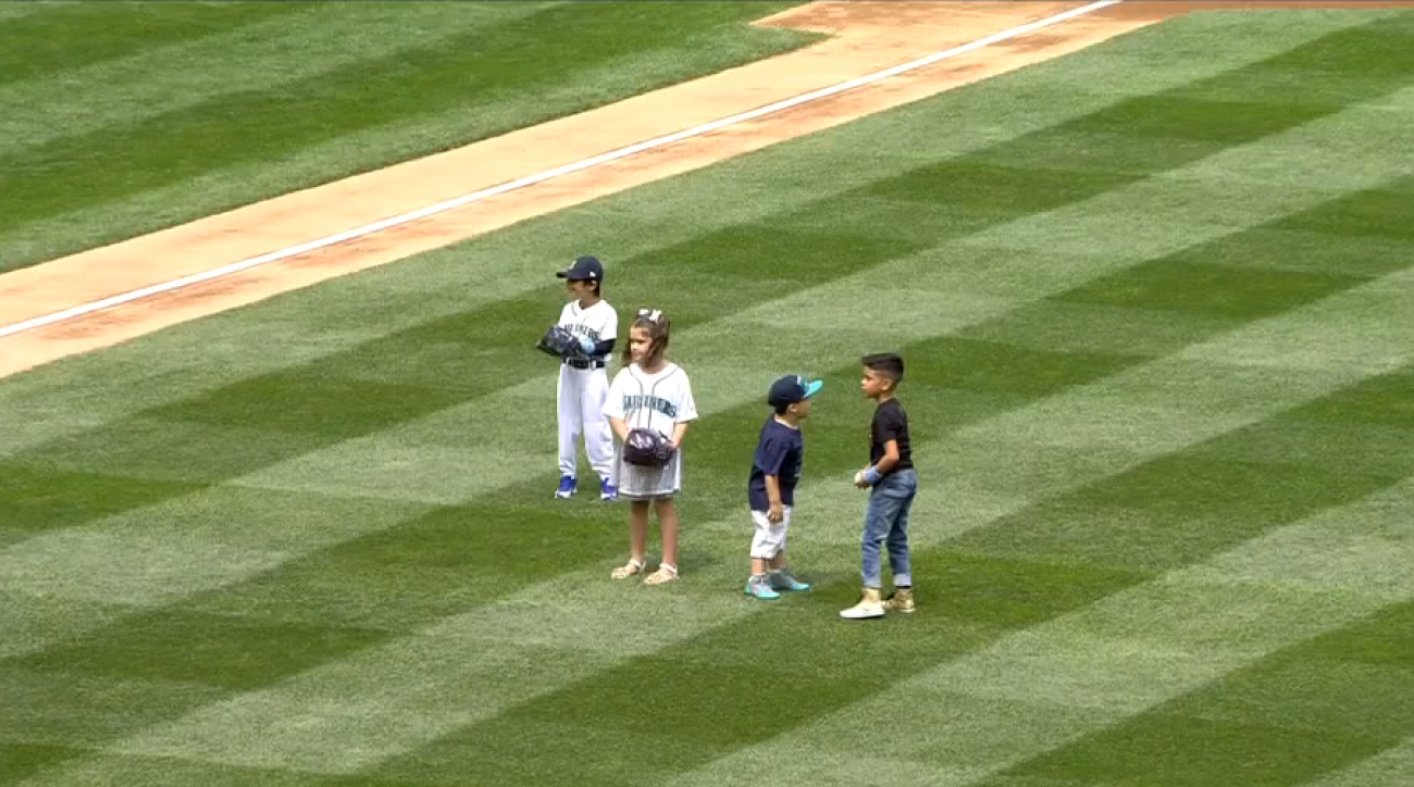 seattle mariners felix hernandez son first pitch