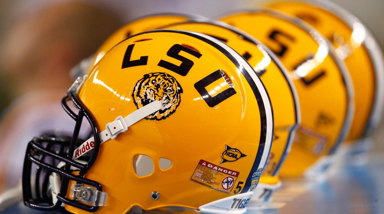 lsu defensive tackle trey lealaimatafao kicked off team
