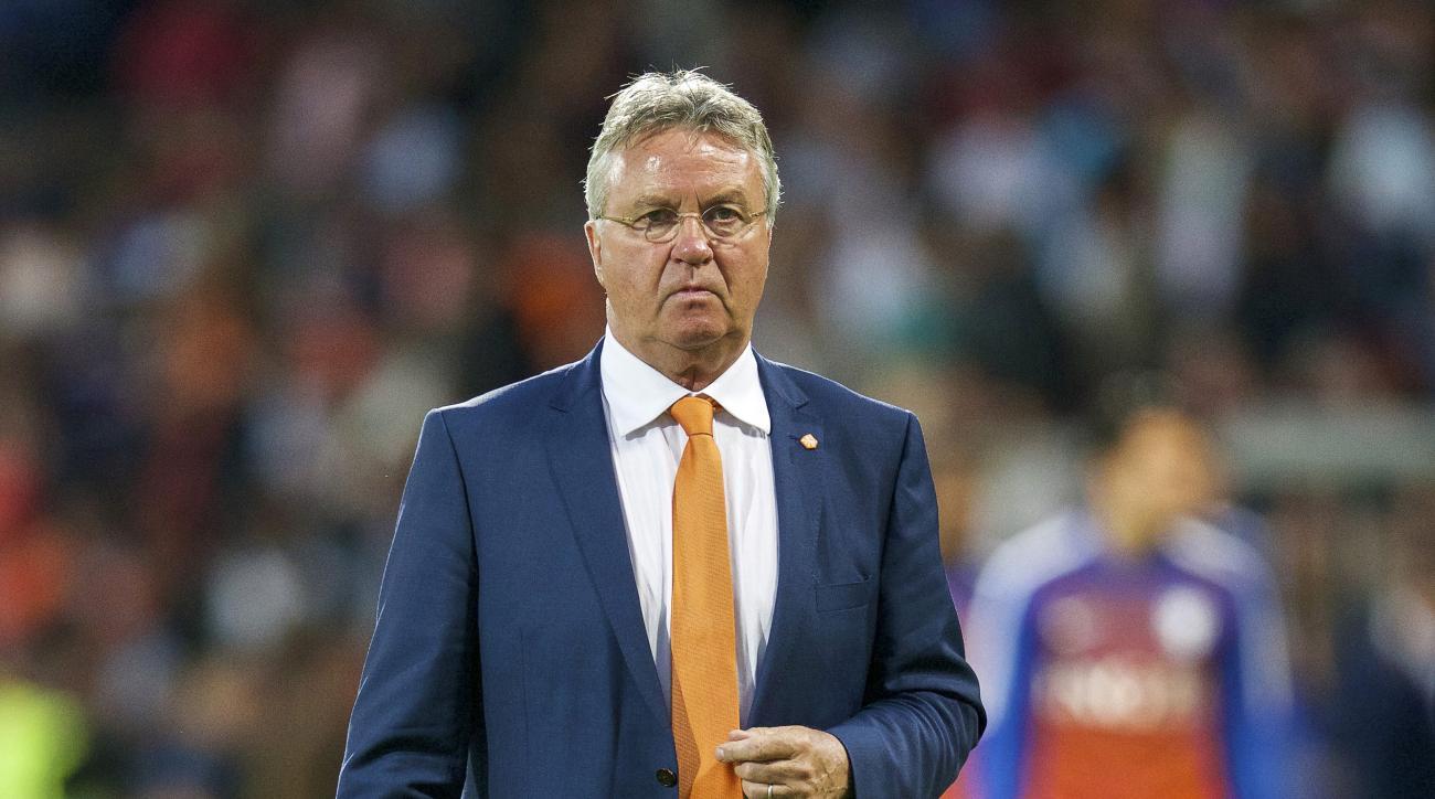 netherlands national team guus hiddink resign