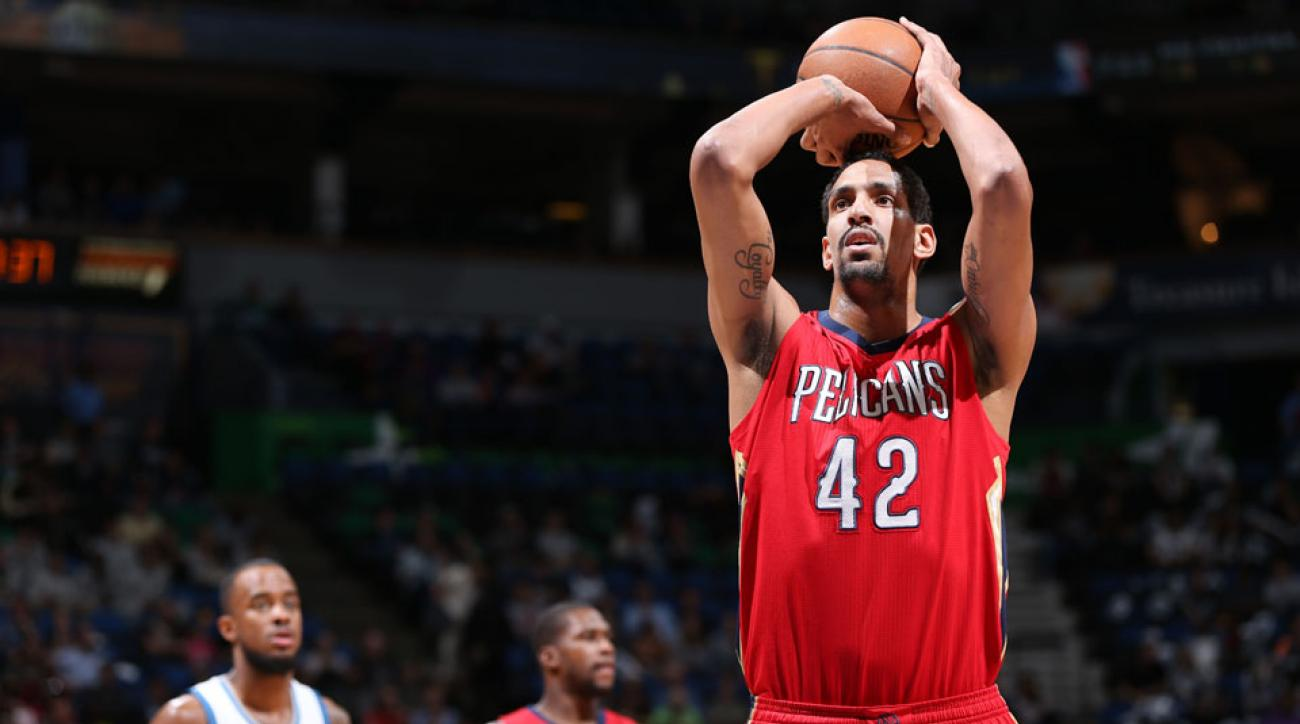 Alexis Ajinca has re-signed with the New Orleans Pelicans.