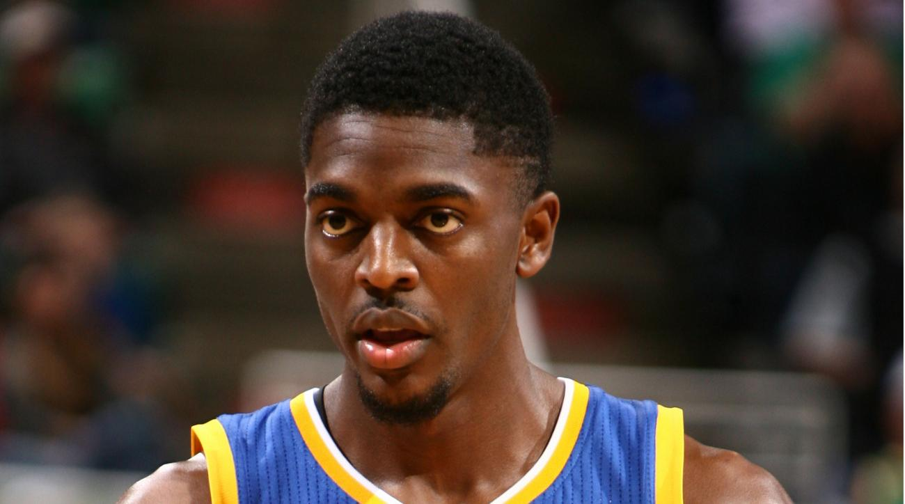 justin holiday hawks free agent signing