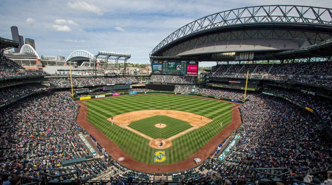 Seattle Mariners 108 year old woman first pitch