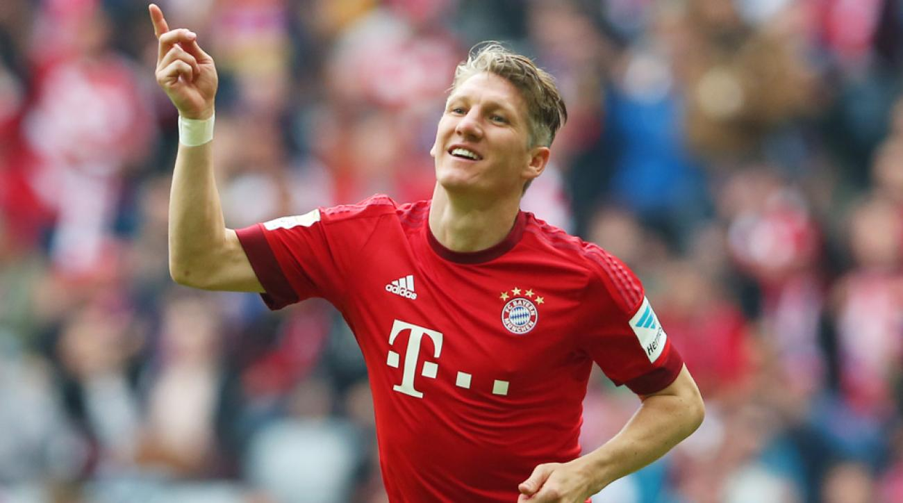 Bastian Schweinsteiger moves from Bayern Munich to Manchester United
