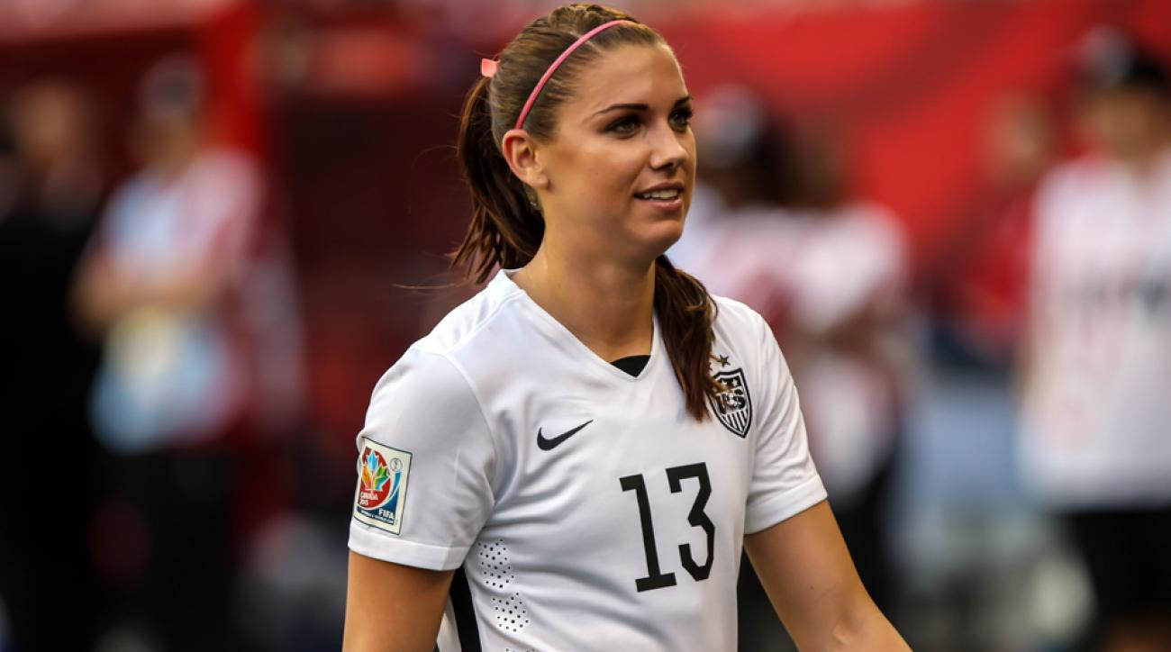 Uswnt S Alex Morgan To Miss 3 4 Weeks After Knee Surgery