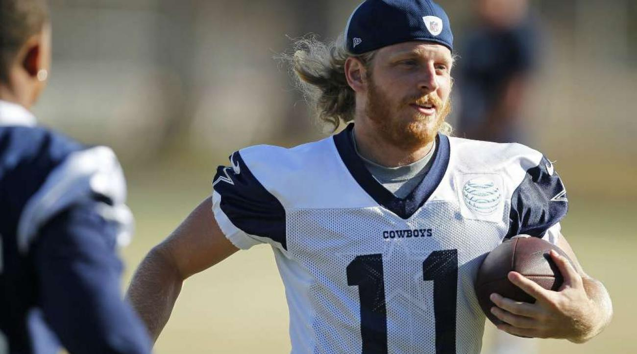 Dallas Cowboys Cole Beasley challenges Odell Beckham with dunk