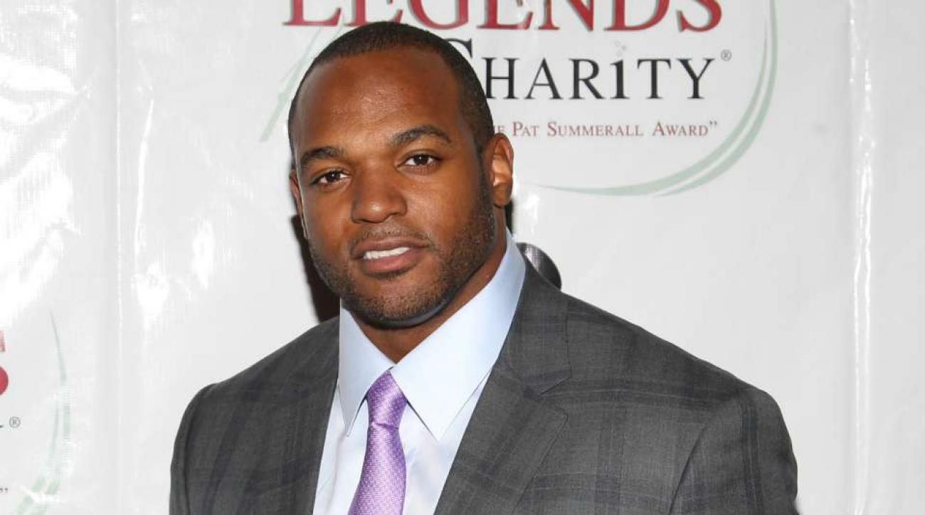 Dwight freeney still looking for right situation to continue career