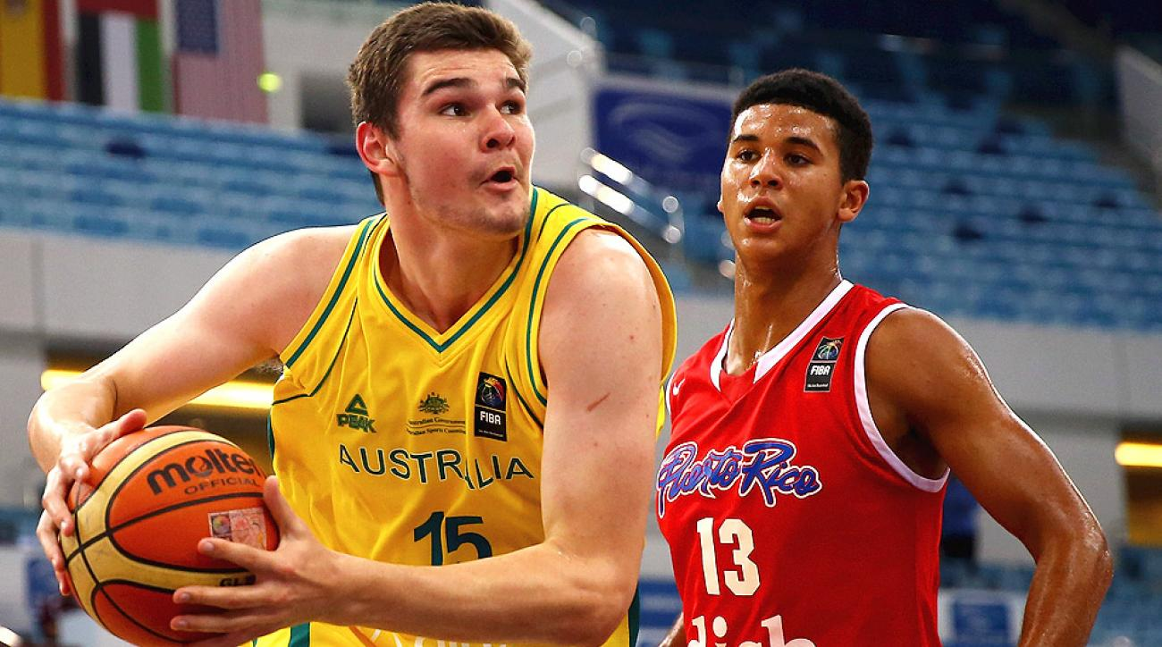 Isaac Humphries is expected to join John Calipari and the Kentucky Wildcats.