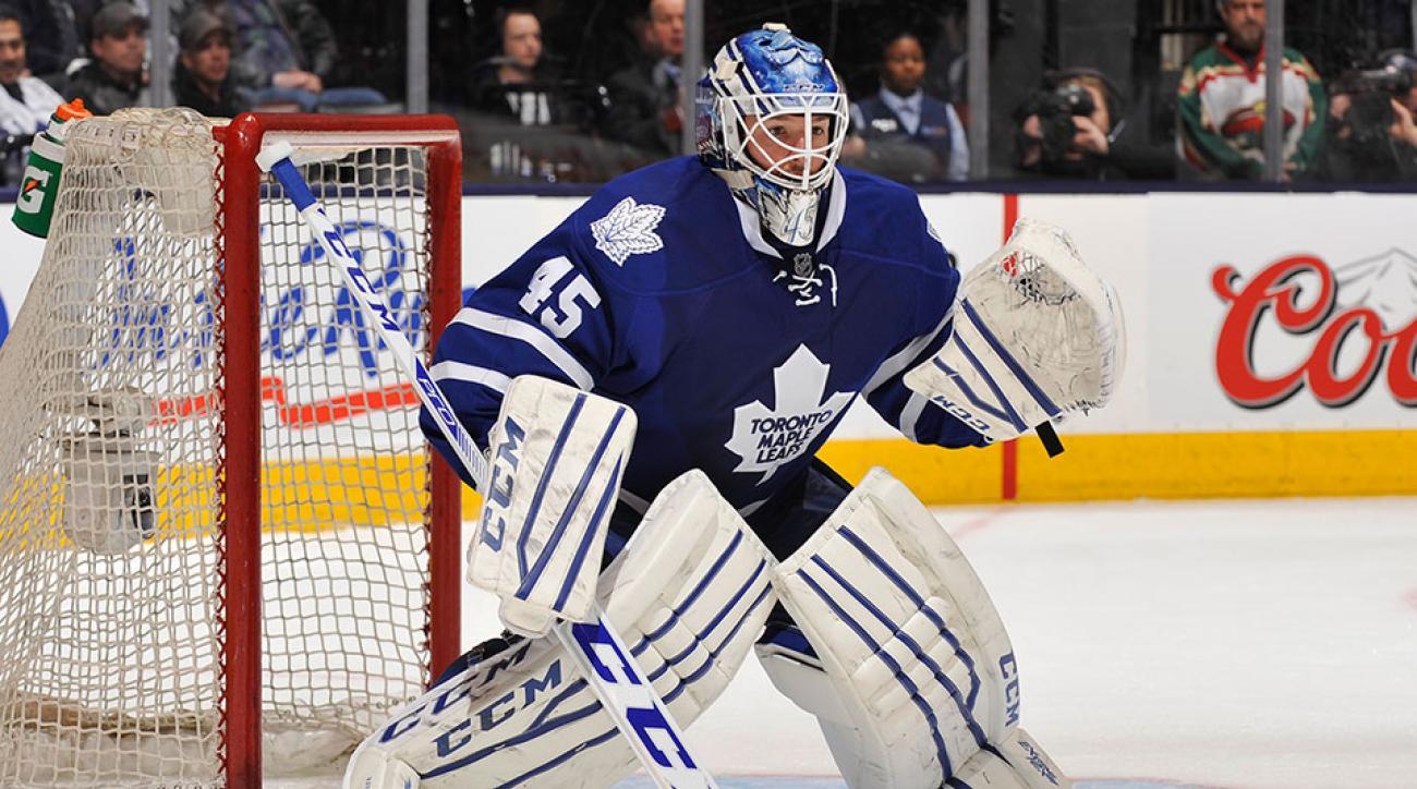 Toronto Maple Leafs sign Jonathan Bernier