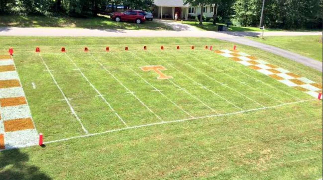 Tennessee Volunteers football fan recreates Neyland Stadium in his front lawn