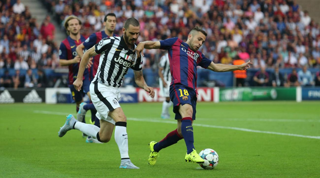 Barcelona fullback Jordi Alba will miss a couple weeks with an injury