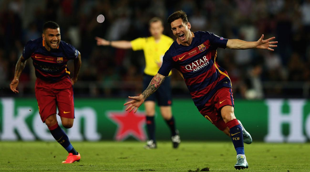 Lionel Messi scores two goals for Barcelona in the UEFA Super Cup vs. Sevilla