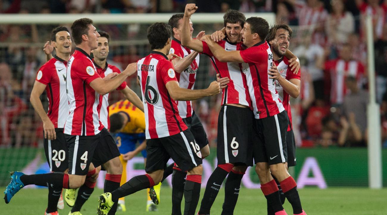 MIkel San Jose celebrates his goal for Athletic Bilbao vs. Barcelona