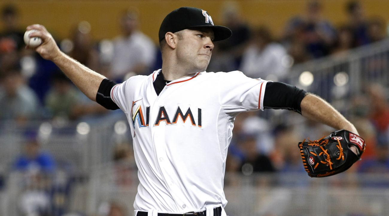 david phelps miami marlins forearm fracture out for season