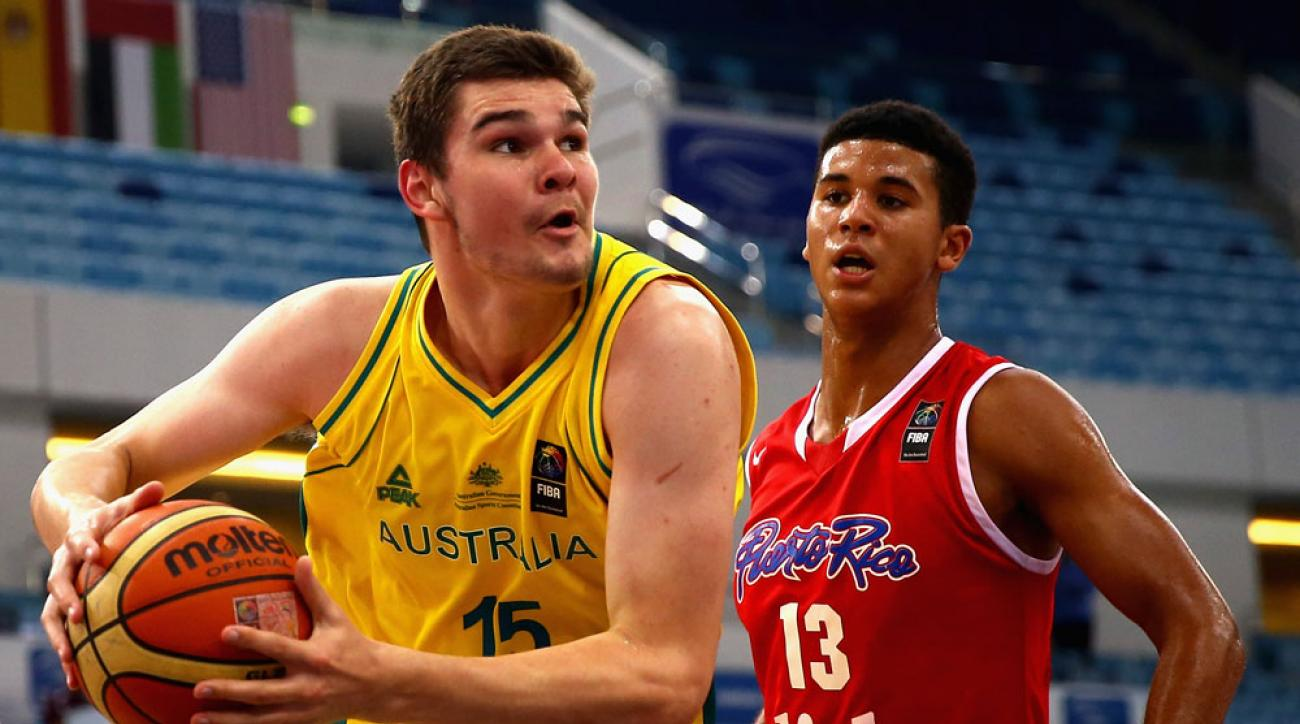 kentucky basketball isaac humphries australia