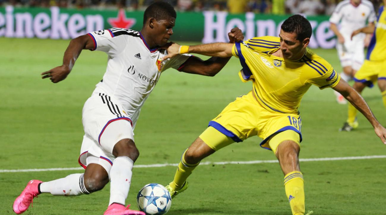 Maccabi Tel Aviv ousted Basel on away goals to reach the Champions League group stage