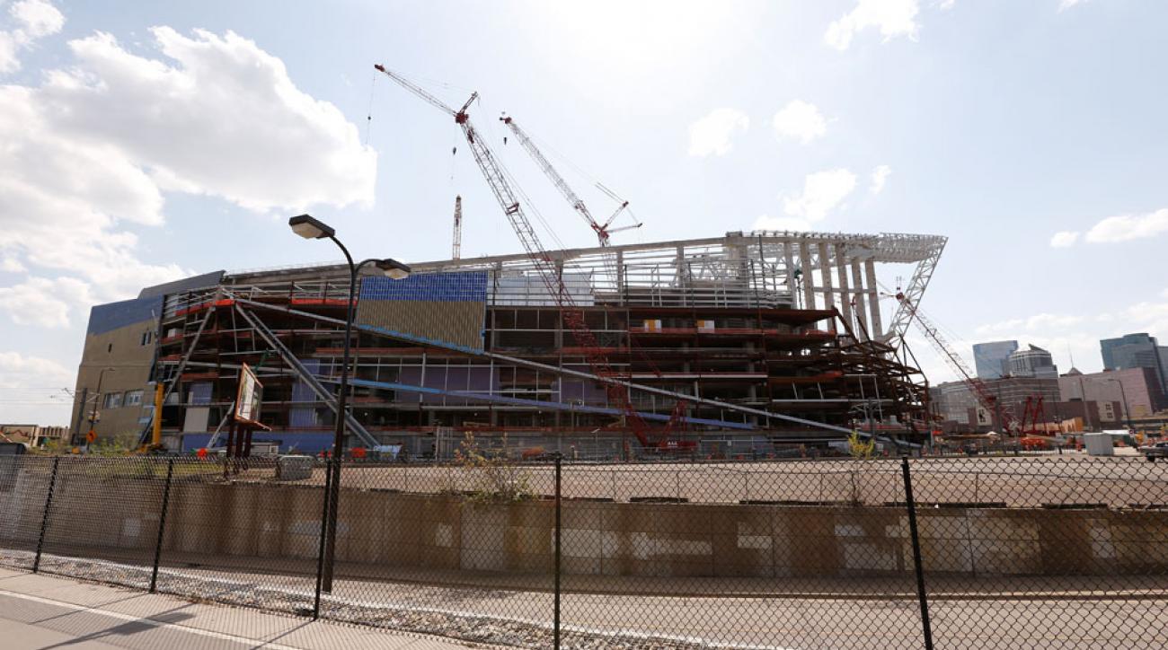 new vikings stadium construction worker killed fall roof