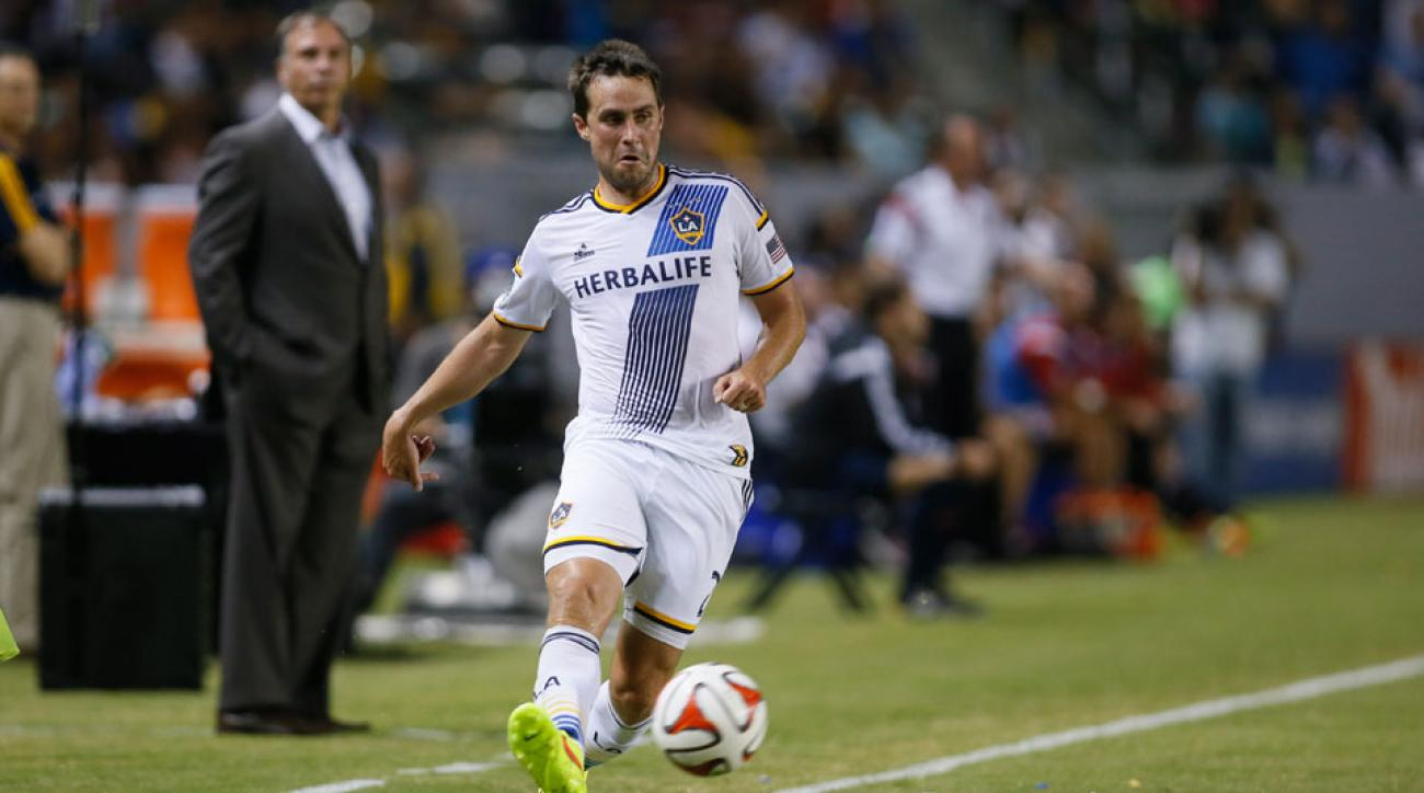 LA Galaxy defender Todd Dunivant will retire at the end of the 2015 MLS season