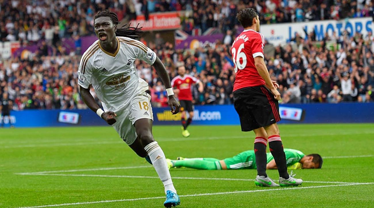 Gomis goal vs. Manchester United