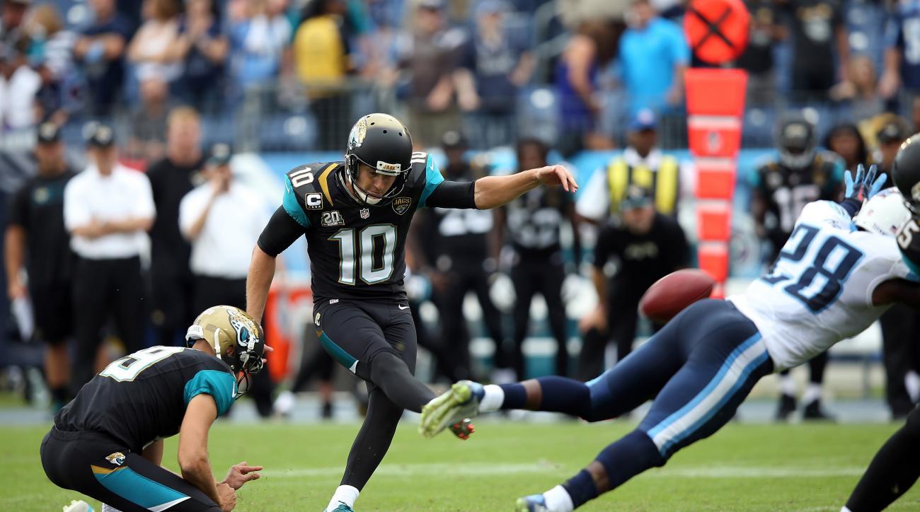 Jaguars trade kicker Josh Scobee to Steelers