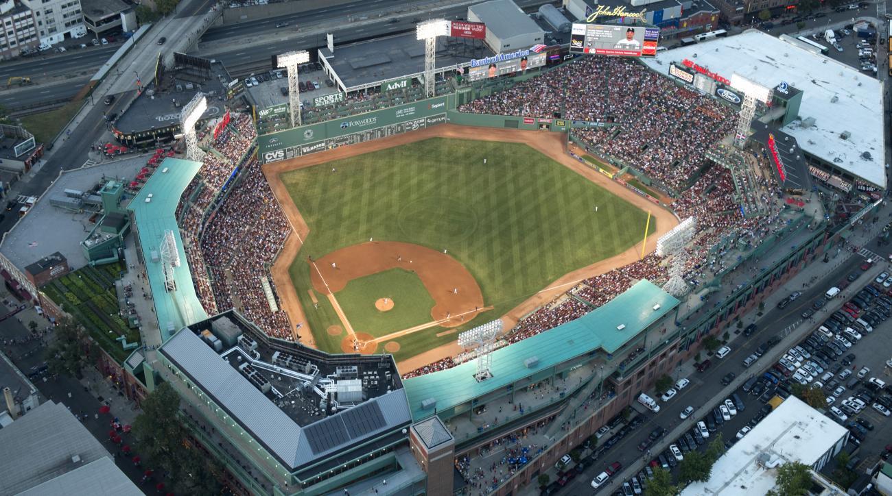 boston ballpark smokeless tobacco ban red sox