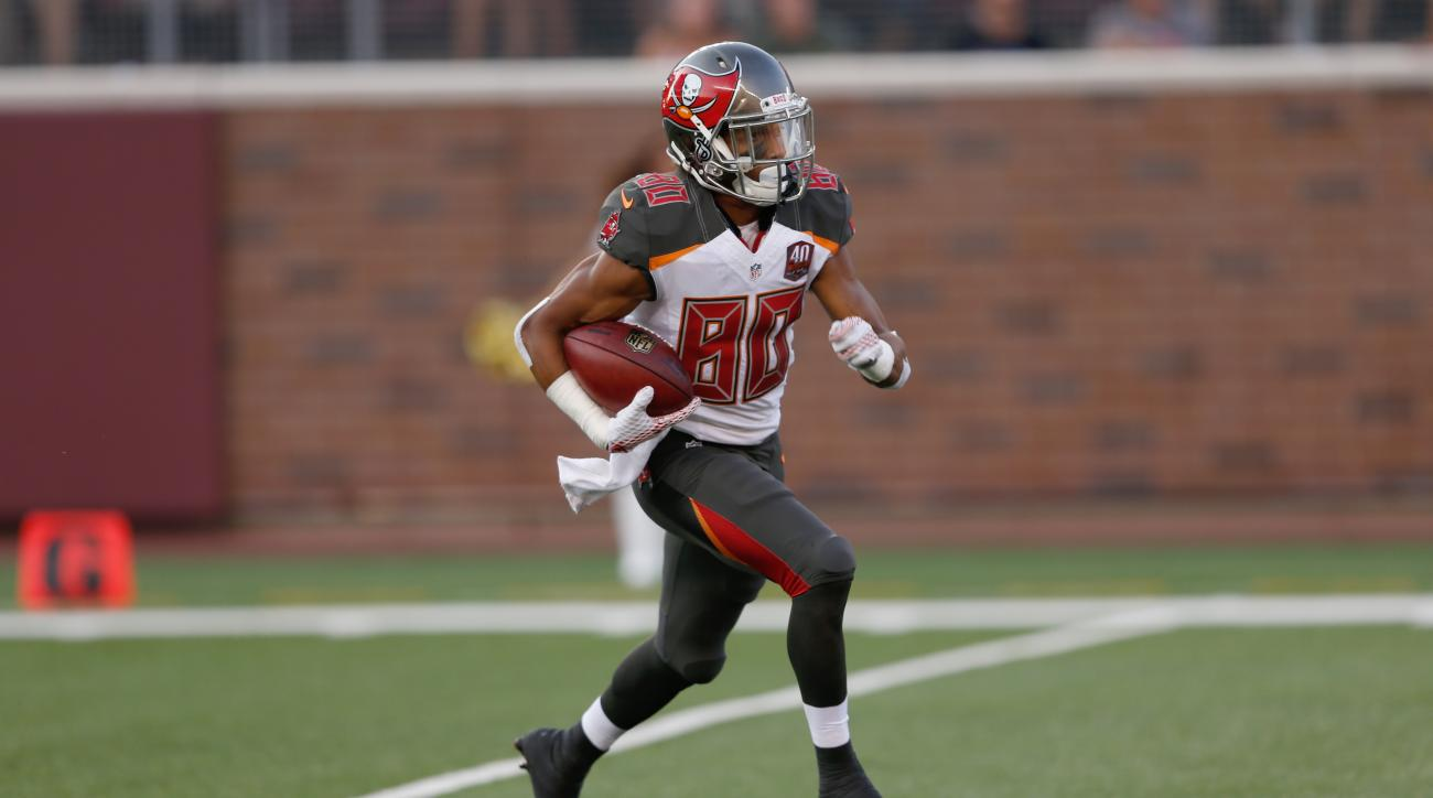 Bucs place Kenny Bell on injured reserve