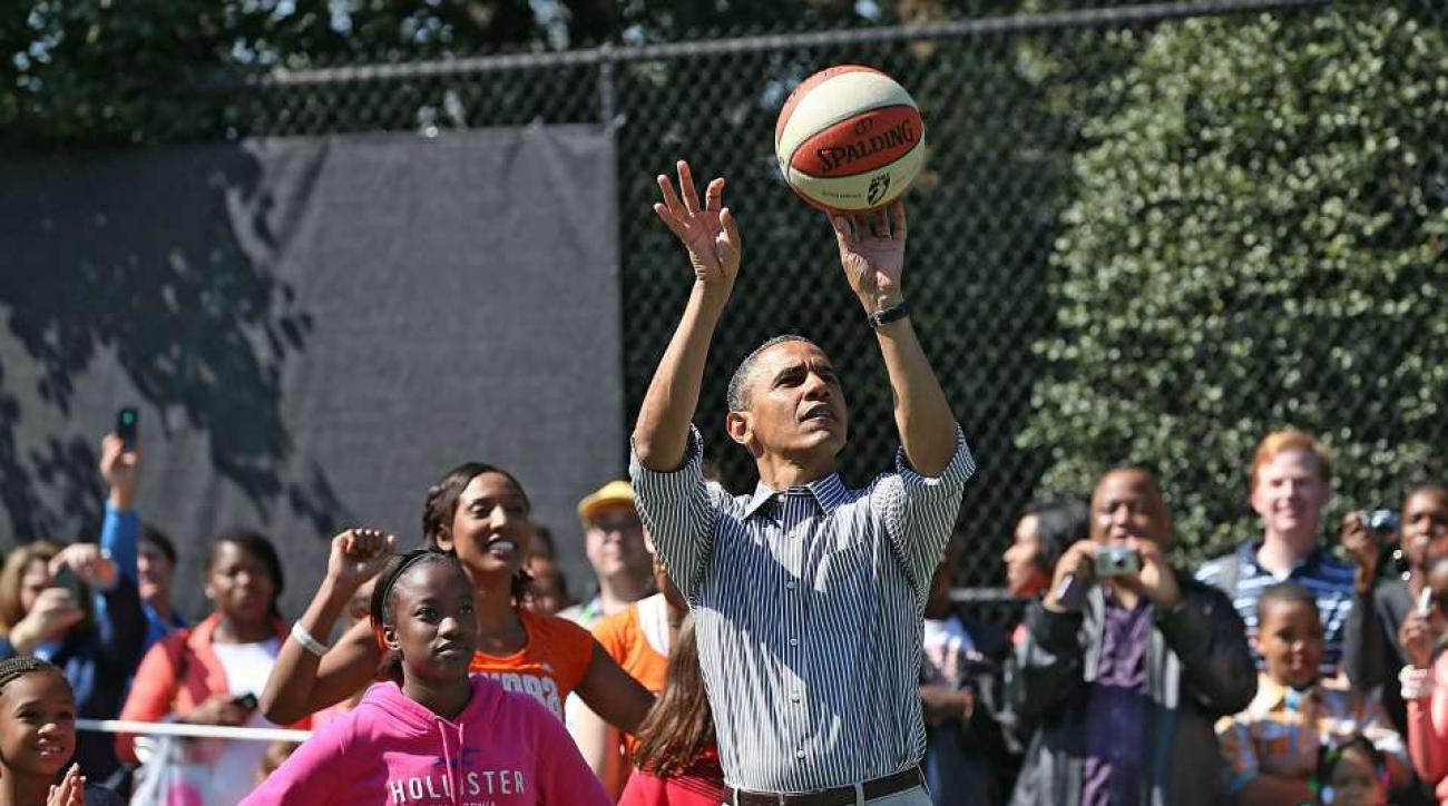 barack-obama-david-axelrod-basketball