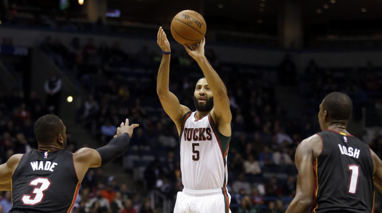 sixers-kendall-marshall-deal