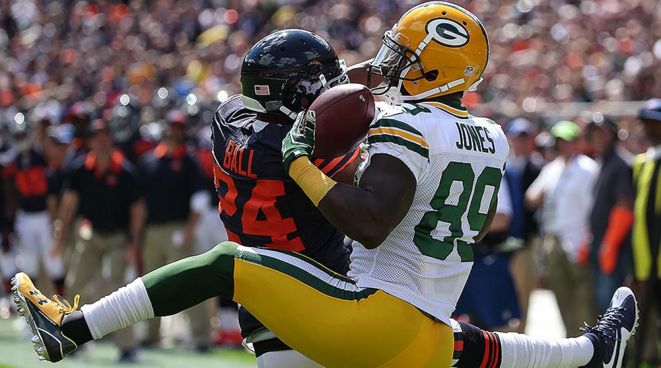 James Jones stars with two touchdowns as Packers defeat Bears