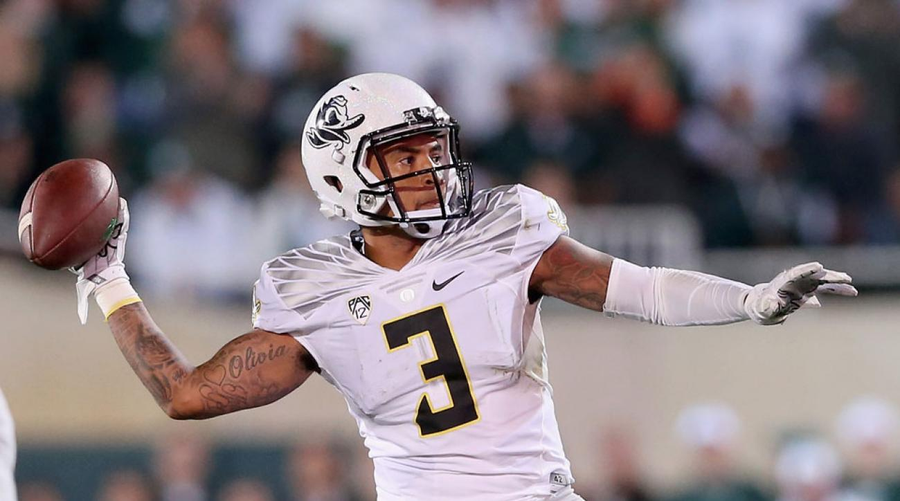 oregon football vernon adams broken finger